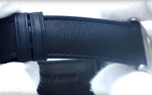 Armani-Herrenuhr-AR2473-mit-blauem-Lederarmband