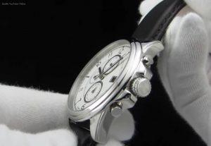 Bayside-Sport-Luxury-typische-Hilfiger-Uhr
