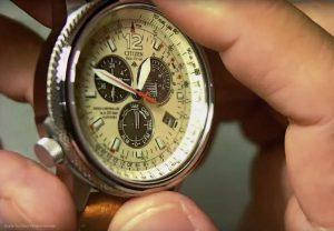 Citizen-Piloten-Armbanduhr-mit-Solar-Technik-und-wertigen-Materialien