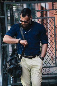 Die-richtige-Dress-Watch-zum-Business-Outfit-finden