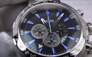 Festina-F16488-B-Sport-Chronograph-in-Silber-Blau-mit-Tachymeterskala
