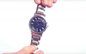 Giorgio-Armani-AR2457-Herrenuhr-mit-edlen-Materialien-1