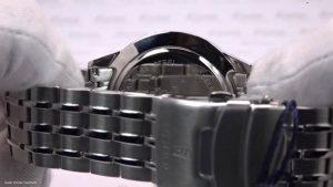 Silberne-Festina-Herren-Armbanduhr-mit-Edelstahlarmband