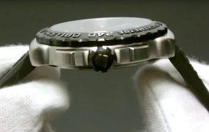 Sportlicher-Chronograph-mit-schwarzer-Titanbeschichtung-und-Quarzwerk