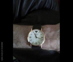 Stilvolle-italienische-Armani-Uhr-mit-braunem-Lederarmband