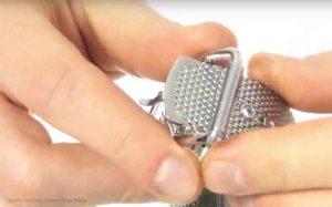 Armani-AR1808-Herrenuhr-mit-Mesh-Armband-Milanaiseband
