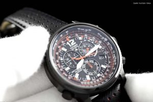 Citizen-AS4025-08E-Pilotenuhr-mit-schwarzem-Design