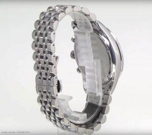 Herrenuhr-AR5988-von-Armani-mit-massiven-Edelstahl-Gliederarmband
