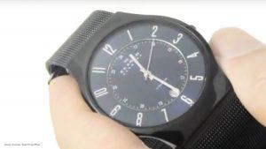 Klassische-Armbanduhr-von-Skagen-mit-blauem-Ziffernblatt