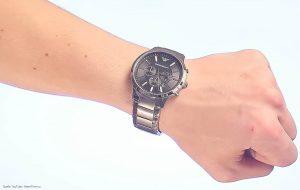 Sportlicher-Armani-AR2460-Chronograph-mit-edlem-Gliederarmband